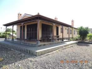 Casa en venta en calle Las Longueras