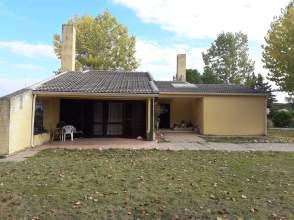 Casa en venta en calle Fuente Dorada, nº 30