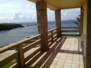 Casa en alquiler en Zona La Lanzada. Primera Línea de Mar.