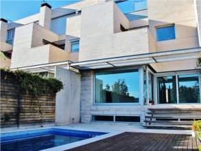 Casa adosada en venta en Montecarmelo-Mirasierra