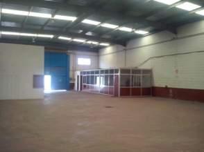 Nave comercial en alquiler en Badajoz Capital - Poligono Industrial