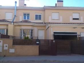 Casa adosada en venta en calle Rio Cabriel, nº 19