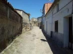 Casa adosada en venta en calle Castillo, nº 3