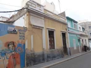 Casa adosada en venta en La Isleta