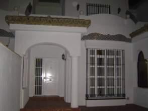 Casa adosada en alquiler en El Campito