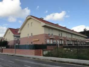 Casa adosada en venta en Parbayón