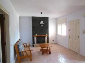 Casa adosada en alquiler en Mont-Roig del Camp, Mont-roig del Camp por 570 € /mes
