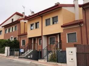 Casa adosada en venta en Cigales