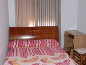 Habitación en alquiler en calle Miranda de Arga, nº 24, Pinar del Rey, Hortaleza (Madrid) por 330 € /mes
