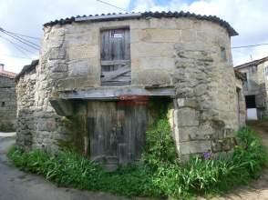 Casa rústica en venta en Avenida Gundias