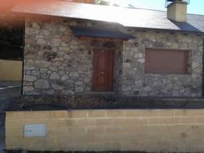 Chalet en venta en Lago de Sanabria/Las Villas de Trefacio
