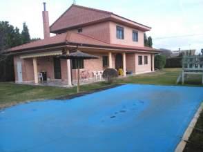 Casa unifamiliar en venta en calle Trigueros del Valle