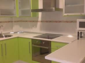 Piso en alquiler en calle Octavio Cuartero, Villarrobledo por 300 € /mes