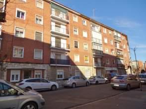 Piso en venta en calle Juan de Herrera
