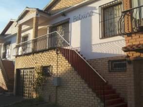 Chalet adosado en venta en Urbanización Lore-Toki