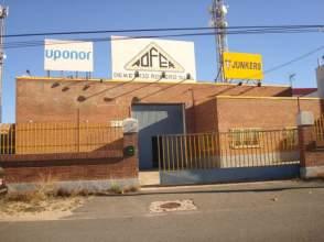 Nave comercial en alquiler en calle Jorge Ruiz de Santayana, nº 60