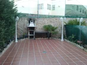 Chalet adosado en alquiler en Zona Residencial