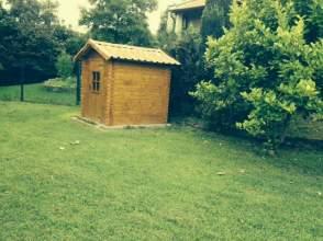Casa adosada en venta en calle Andraka