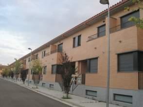 Casa adosada en alquiler en calle Sierra de Alcubierre