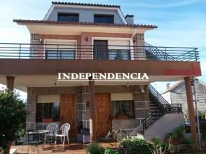 Casa unifamiliar en alquiler en calle Penís-Cabral