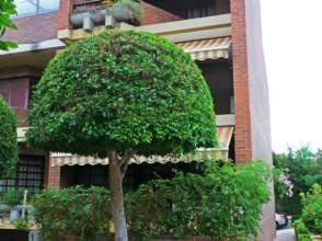 Casa adosada en venta en calle Manolo Morán
