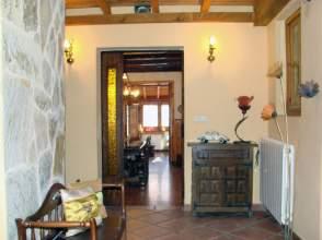 Casa pareada en venta en calle San Pedro, nº 6, Cogolludo por 110.000 €