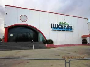 Local comercial en alquiler en calle Puigmal, Par. 7