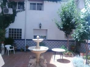 Casa adosada en alquiler en calle San Jose