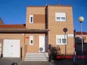 Casa unifamiliar en venta en calle Bardenas Reales, nº 10