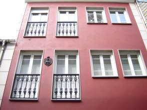 Casa adosada en venta en calle Pasaron y Lastra, nº 16