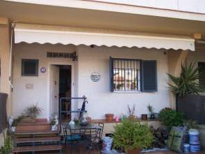 Casa adosada en alquiler en calle Nidos, nº 7