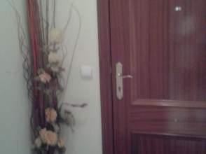 Piso en alquiler en calle Magistrado Ruiz Rico, Blo. 1