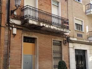 Casa adosada en venta en calle Vázquez López, nº 38