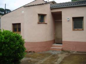 Casa en venta en calle Lom