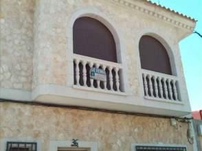 Casa en venta en calle Alcazar