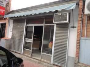 Local comercial en venta en calle Baza, nº 1