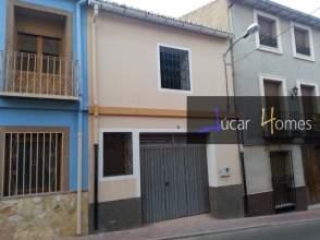 Casa en venta en calle Maestro Serrrano, nº 26