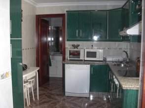 Casa adosada en alquiler en calle Santa Rita