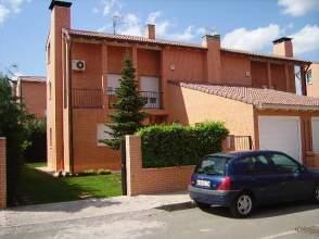 Casa en alquiler en calle Ruben Dario