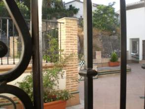 Piso en calle Cuesta del Chapiz
