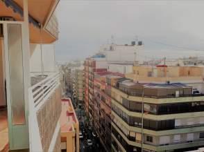 Apartamento en calle Poeta Vila y Blanco, nº 1