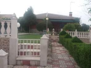 Casa en calle Tulipán