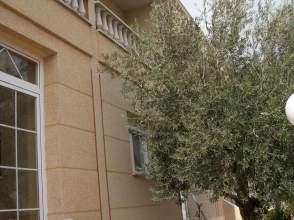 Casa pareada en calle Vicente Aleixandre