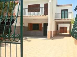 Casa adosada en calle Río Vélez