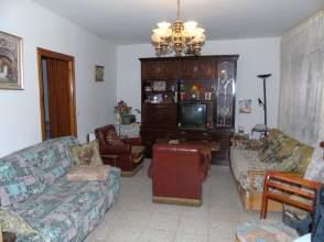 Casa adosada en Plaza San Roque, nº 1