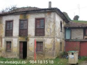 Casa en Casa de Piedra en Siero, Con 4399 M2 de Terreno, Parcialmente Edificable