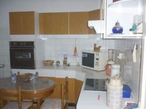 Pisos y apartamentos con 3 o m s habitaciones en la for Alquiler pisos la felguera