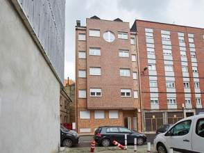 Piso en calle Salustio Regueral, nº 26