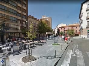 Piso en calle Plaza de los Arces