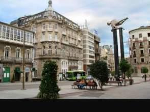 Locales y oficinas de alquiler en casco vello 36202 for Centro comercial la puerta del sol